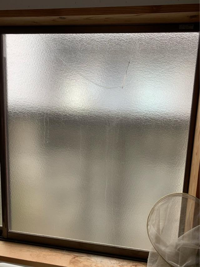 0327_東京都多摩市 _ガラス割れ1